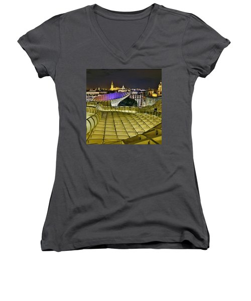 Arriba Las Setas De #sevilla Women's V-Neck (Athletic Fit)