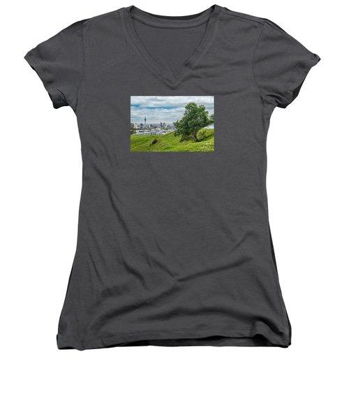 Auckland Skyline Women's V-Neck T-Shirt