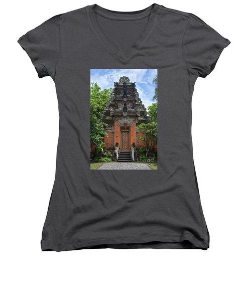 Bali_d3 Women's V-Neck