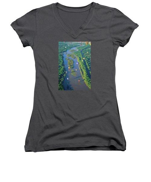 Balloons Over The Rio Grande Women's V-Neck T-Shirt (Junior Cut) by Alan Toepfer