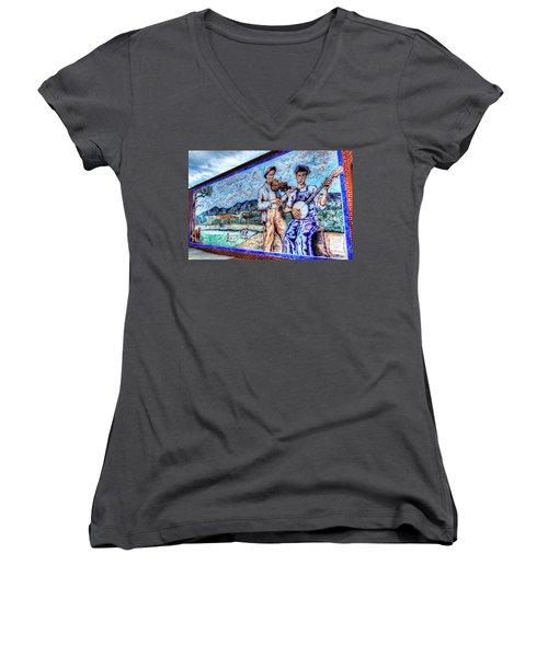 Banjo Mural Women's V-Neck T-Shirt (Junior Cut) by Dale R Carlson
