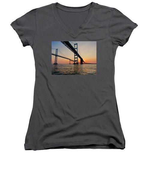 Bay Bridge  Women's V-Neck T-Shirt