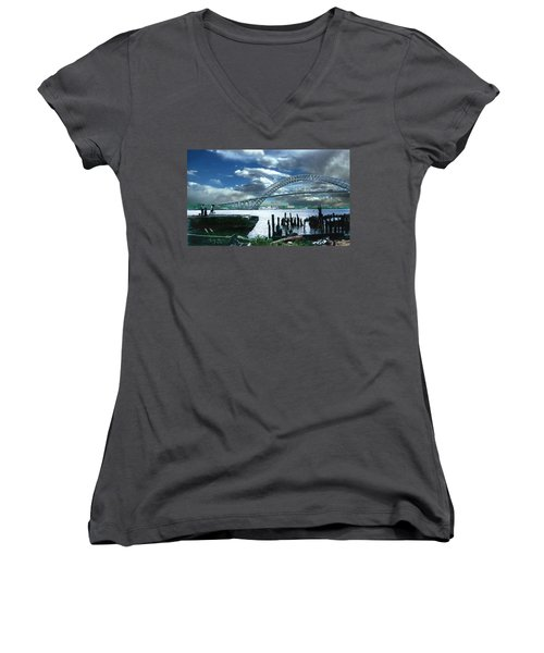 Bayonne Bridge Women's V-Neck T-Shirt