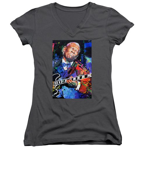 Bb King Portrait Women's V-Neck T-Shirt (Junior Cut) by Richard Day