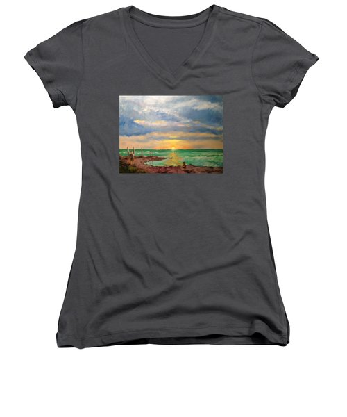 Beach End Of Day Women's V-Neck T-Shirt