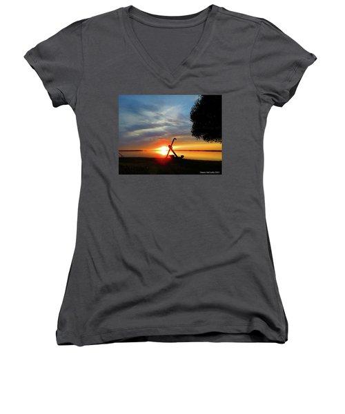 Beadles Point Sunset Women's V-Neck