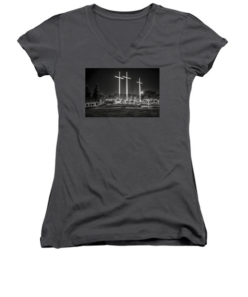 Women's V-Neck T-Shirt (Junior Cut) featuring the photograph Bearing Witness In Black-and-white by Andy Crawford