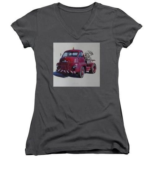Bedford S Type Wrecker. Women's V-Neck T-Shirt (Junior Cut) by Mike  Jeffries