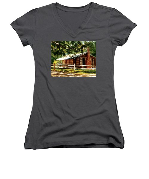 Big Thicket Information Center_the Staley Cabin Women's V-Neck