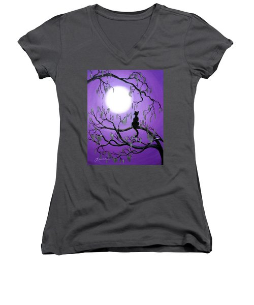 Black Cat In Mossy Tree Women's V-Neck T-Shirt