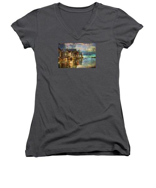 Boat Houses Women's V-Neck T-Shirt