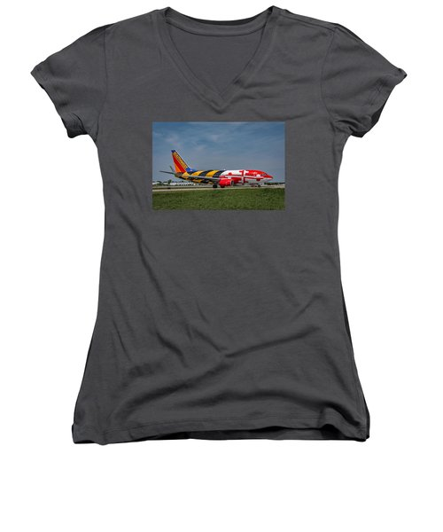 Boeing 737 Maryland Women's V-Neck (Athletic Fit)