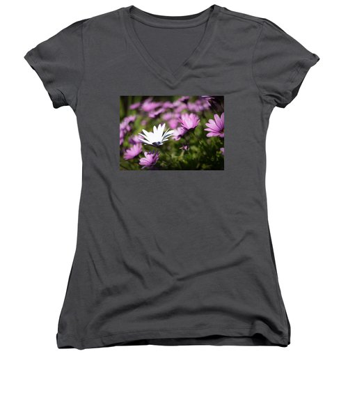 Women's V-Neck T-Shirt featuring the photograph Born To Stand Out by Lora Lee Chapman
