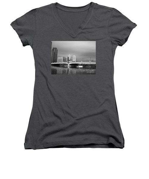 Boston Bridge Women's V-Neck T-Shirt