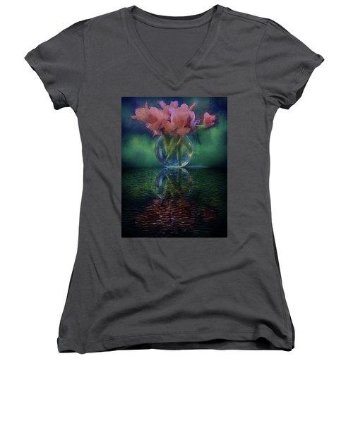 Bouquet Reflected Women's V-Neck