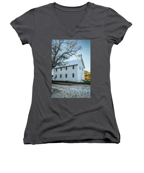 Boxley Community Center Women's V-Neck