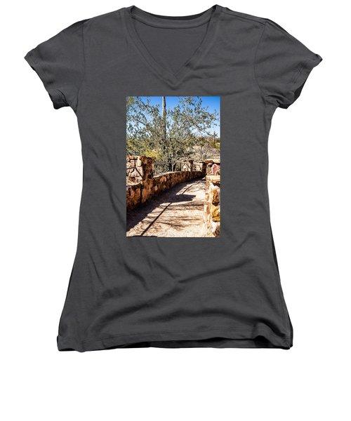 Bridge Over Desert Wash Women's V-Neck T-Shirt (Junior Cut)