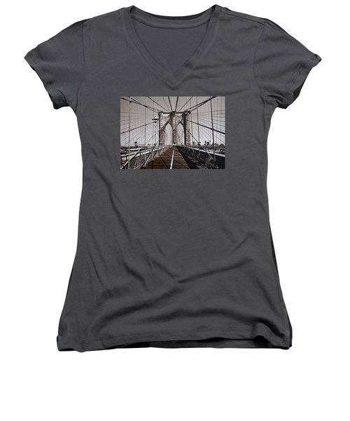 Brooklyn Bridge By Art Farrar Photographs, Ny 1930 Women's V-Neck