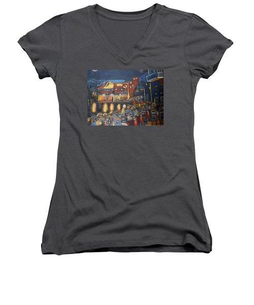 Cafe Scene At Night Women's V-Neck T-Shirt