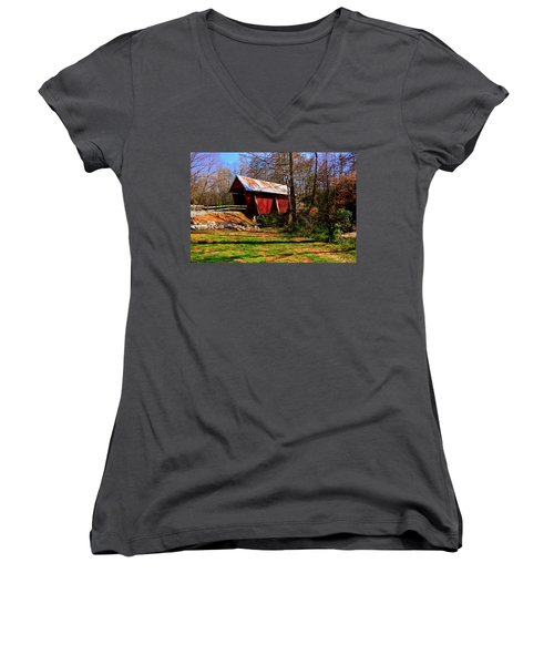 Campbell's Covered Bridge Est. 1909 Women's V-Neck T-Shirt