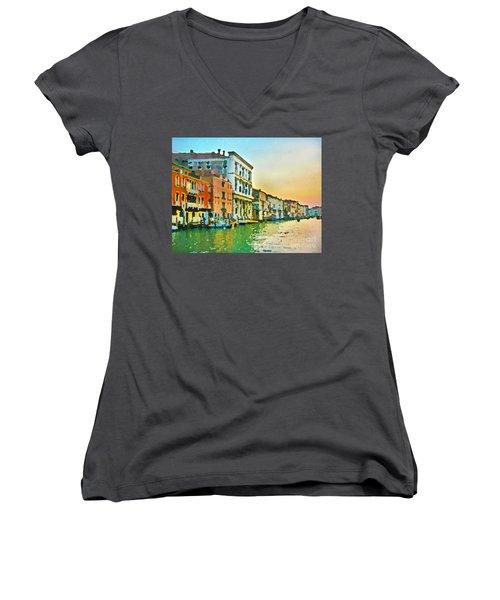 Canal Sunset - Venice Women's V-Neck T-Shirt (Junior Cut) by Tom Cameron
