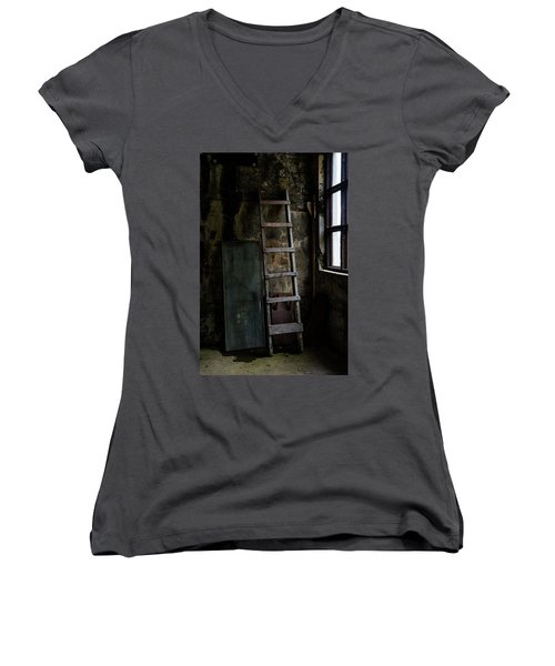 Cannery Ladder Women's V-Neck