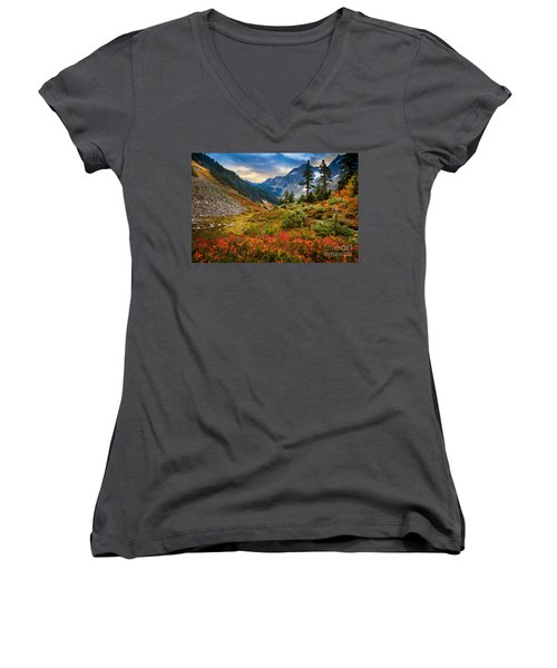 Cascade Pass Fall Women's V-Neck (Athletic Fit)