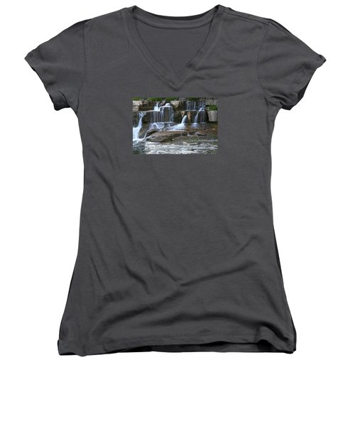 Cascade Women's V-Neck