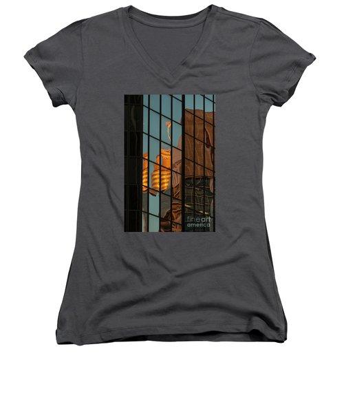 Centrepoint Hiding Women's V-Neck T-Shirt
