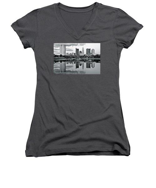 Charcoal Columbus Mirror Image Women's V-Neck T-Shirt (Junior Cut)