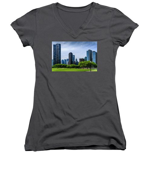 Chicago Skyline Women's V-Neck T-Shirt