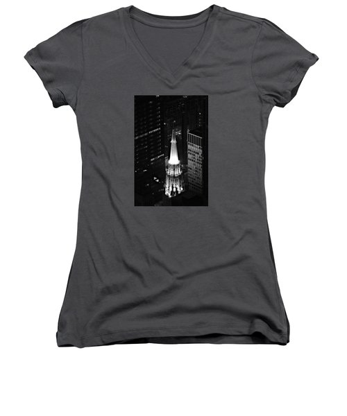 Chicago Temple Building Steeple Bw Women's V-Neck T-Shirt
