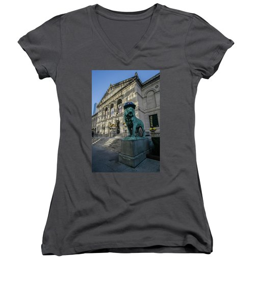 Chicago's Art Institute With Cubs Hat Women's V-Neck