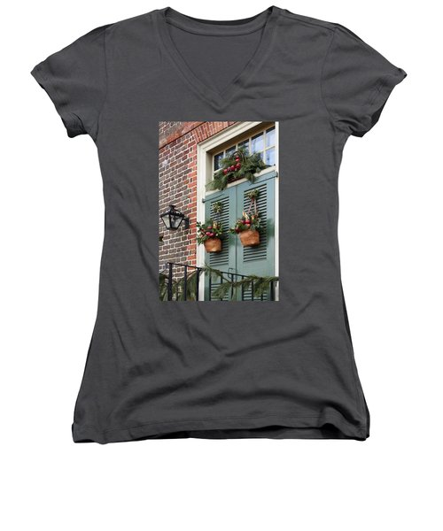 Christmas Welcome Women's V-Neck T-Shirt