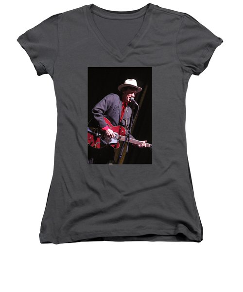 Women's V-Neck T-Shirt (Junior Cut) featuring the photograph Chuck Mead by Jim Mathis