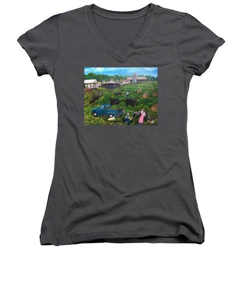Chumhurst Farm Women's V-Neck T-Shirt