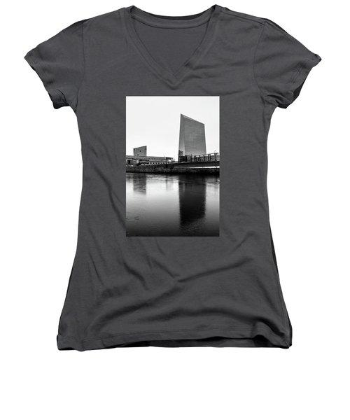 Cira Centre - Philadelphia Urban Photography Women's V-Neck (Athletic Fit)