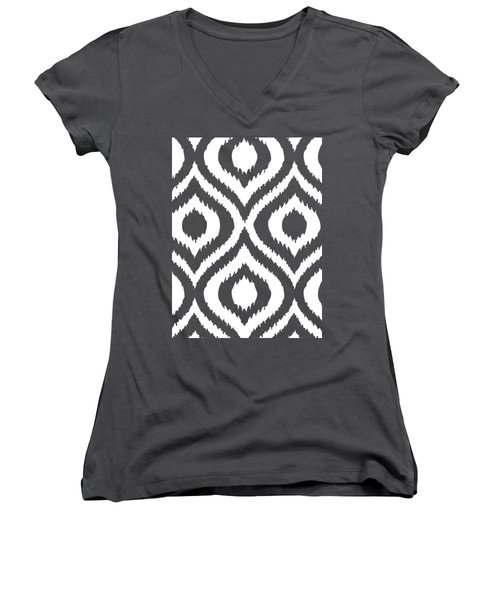 Circle And Oval Ikat In White T02-p0100 Women's V-Neck T-Shirt