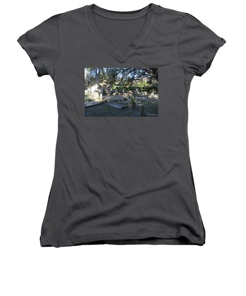 Circular Congregational Graveyard 1 Women's V-Neck T-Shirt