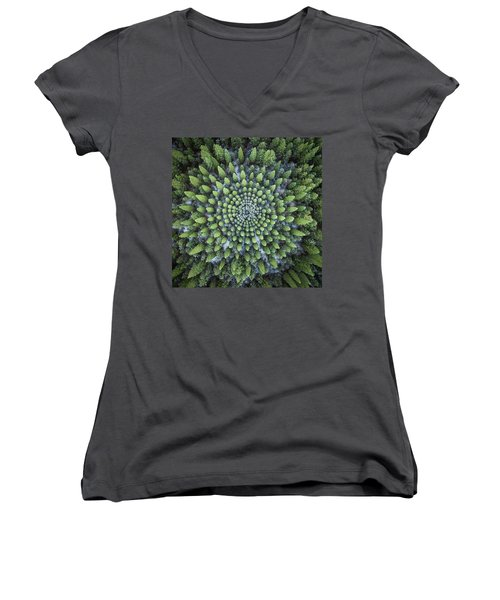 Circular Symmetry Women's V-Neck