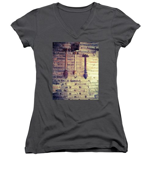 Clappers Women's V-Neck