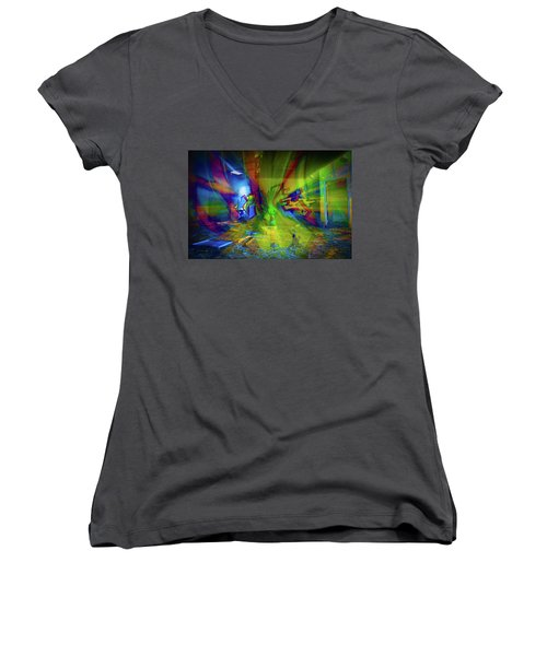Color Wave Women's V-Neck