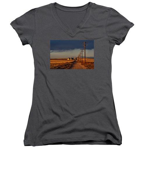 Colorado Farm Sunset Women's V-Neck T-Shirt