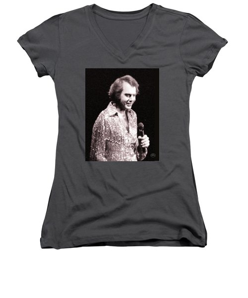 Connecting With The Audience Women's V-Neck T-Shirt (Junior Cut) by Ron Chambers