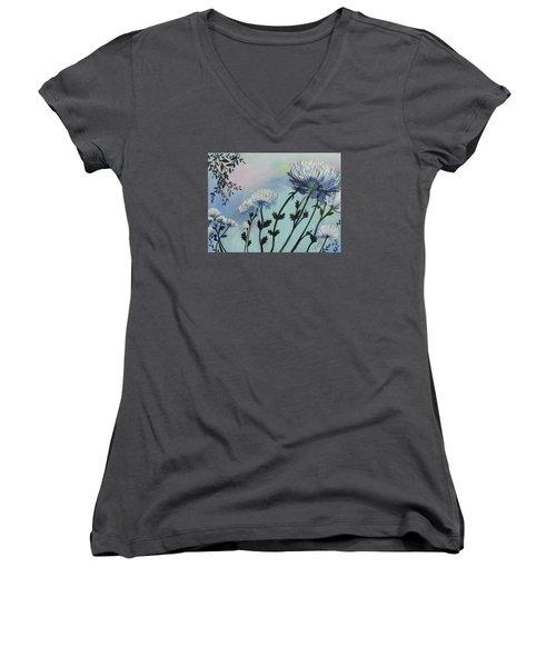 Cool White Spider Mums Women's V-Neck T-Shirt