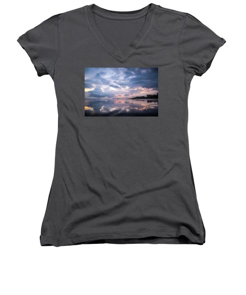Women's V-Neck T-Shirt featuring the photograph Costa Rican Sunset by David Morefield