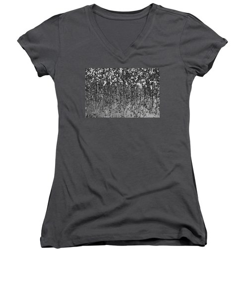 Cotton Abstract In Black And White Women's V-Neck (Athletic Fit)