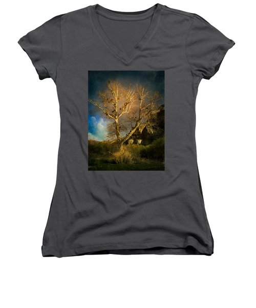 Cottonwood Tree Women's V-Neck