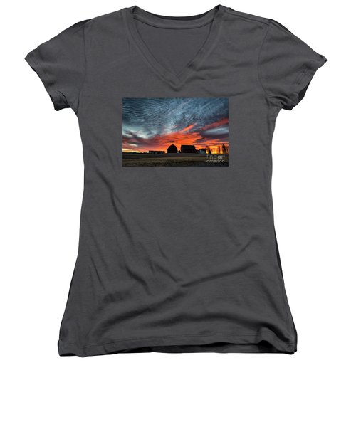 Country Barns Sunrise Women's V-Neck T-Shirt