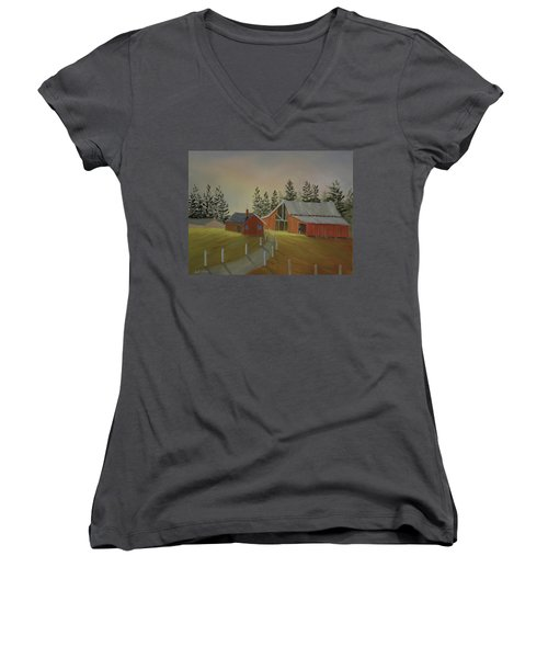 Country Farm Women's V-Neck